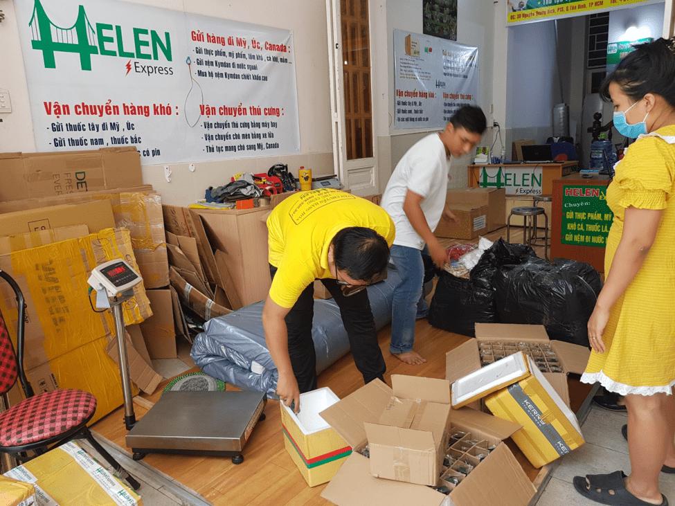 Việc cung cấp loại hàng gửi giúp Helen Express biết chính xác món hàng hóa khi đóng gói và vận chuyển